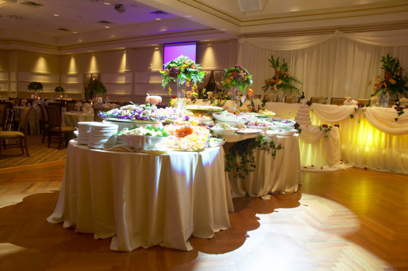 Wedding caterers the host a perfect professional chicmags wedding caterers junglespirit Choice Image