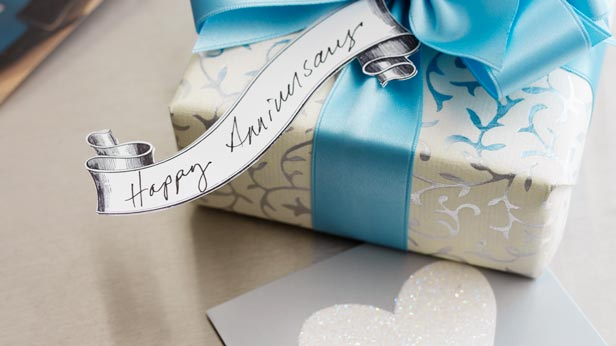 9th Wedding Anniversary Gift Ideas Her: 7 Anniversary Gift Ideas For Your Wife Or Girlfriend