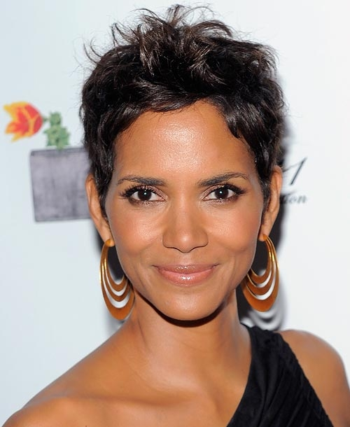Halle Berry Jawline